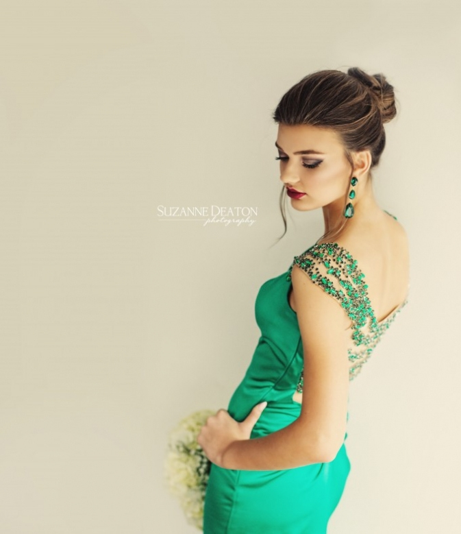 Prom Pictures Ideas for Photographers, Prom poses, Prom Hairstyles